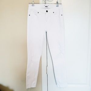 PAIGE VERDUGO CROP White Distressed Jeans *NWOT*